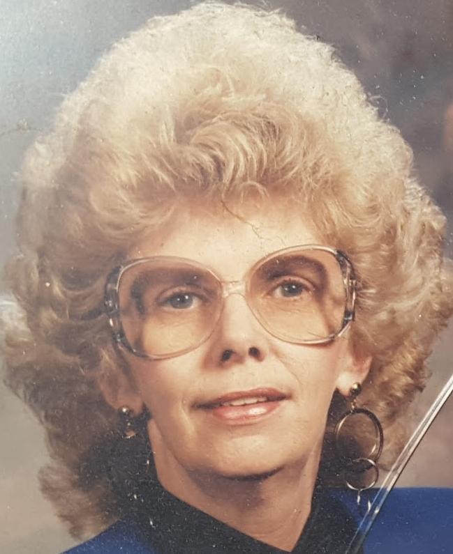 Carolyn Lee Geniesse